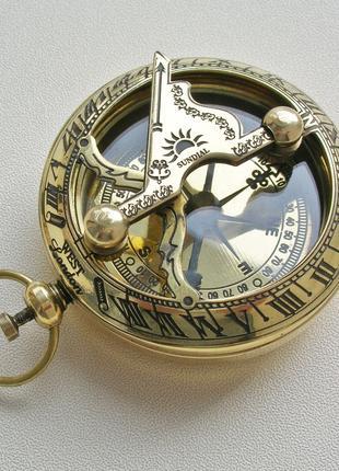 Карманный компас с солнечными часами West London. Новый