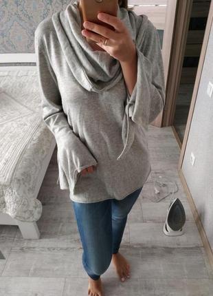 Красивый серый свитерок с клешенными рукавами 13% шерсть
