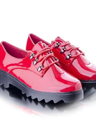 Туфли на массивном каблуке и платформе