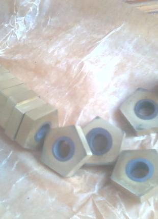 30 шт. сменных твёрдосплавных пластин для токарных резцов