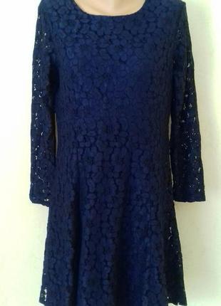 Синее красивое кружевное платье