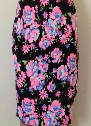 Красивая юбка-карандаш с ярким принтом new look