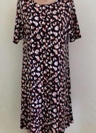 Новое трикотажное платье-трапеция с принтом marks & spencer