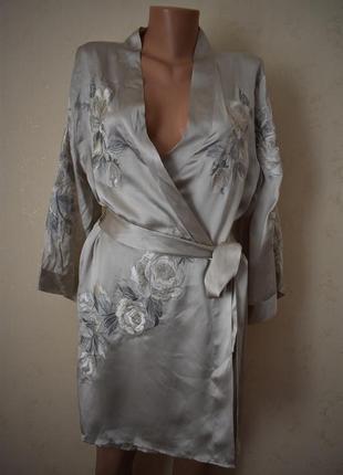 Натуральный шелковый халат с вышивкой autograph