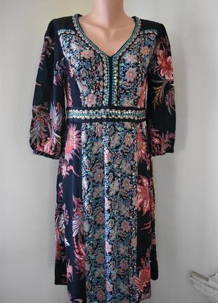 Красивое платье с принтом monsoon