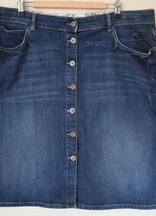 Джинсовая юбка на пугоцах большого размера