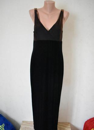 Нарядное блестящее бархатное платье