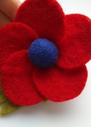 Брошь цветок красный мак фетр шерсть