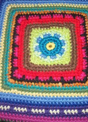 Квадратный коврик ручной вязки