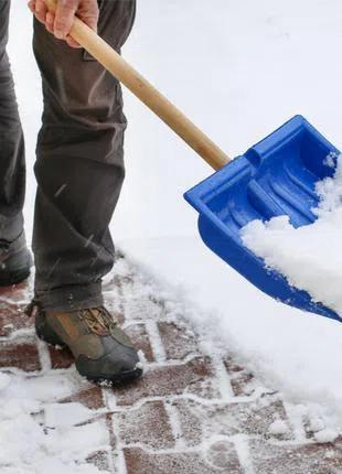 Ручная Уборка и вывоз снега с вашей территории.
