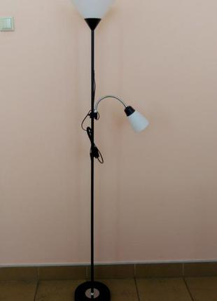 Функциональный торшер с независимым управлением лампами