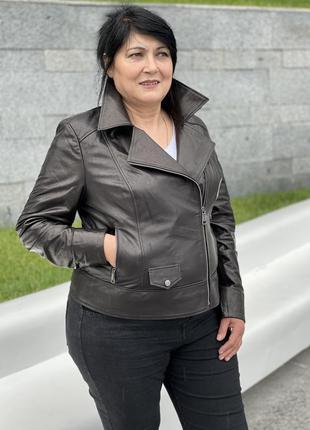 Женская косуха. женская кожаная куртка. женская черная куртка....