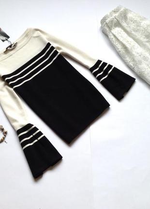 Черно-белая кофта