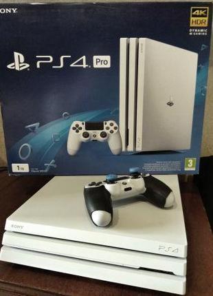 Sony PlayStation 4 Pro + 40 ігор на акаунті + PS plus до 22.06.20