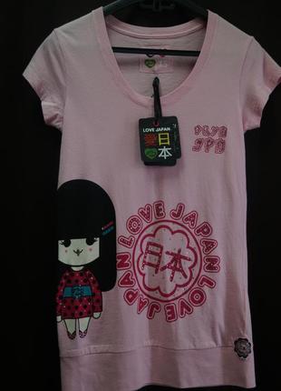 Яркая футболка в стиле анимэ