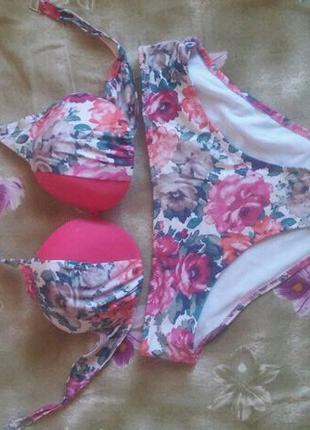 Цветочный женский купальник