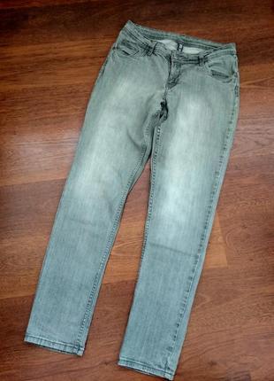 44р. серые узкие джинсы hema skinny fit