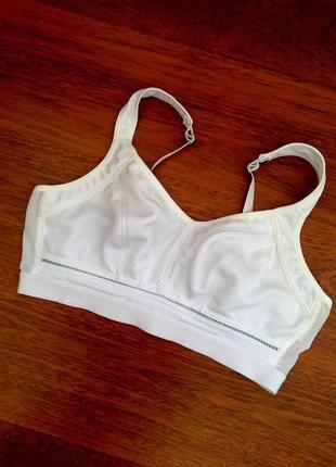 80-с белый спортивный бюст без косточек beauforme
