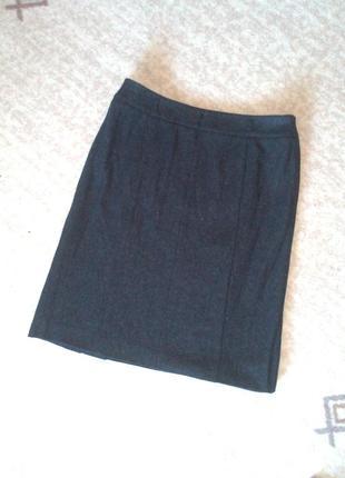 40р.шерстяная прямая юбка с разрезами
