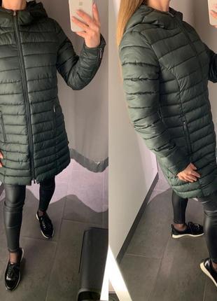 Удлиненная демисезонная куртка бутылочного цвета курточка amis...