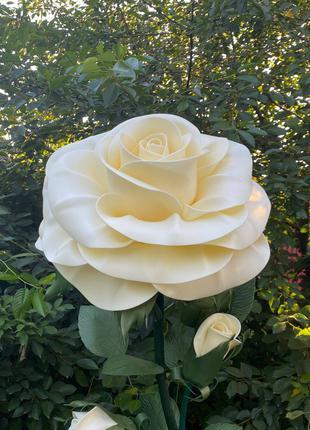 Світильник троянда з ізолону