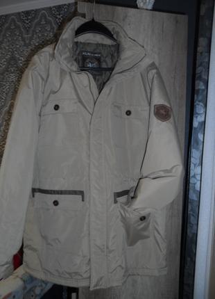 Классная фирменная куртка р 48-50 новая