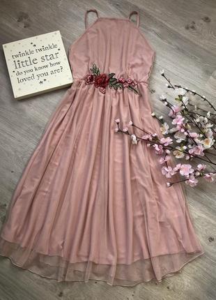 Фатиновое платье миди, платье с вышивкой, платье на бретельках