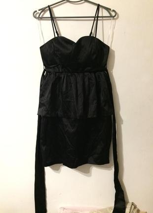 Only edge collection платье атласное черное бюстье с баской