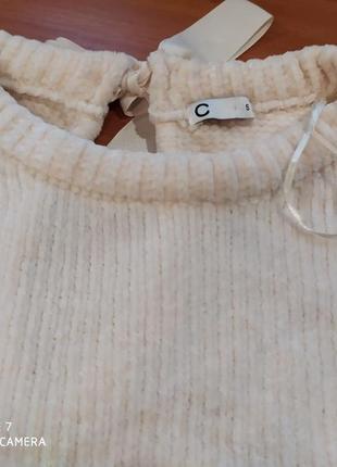 Мягкий и нежный свитерок