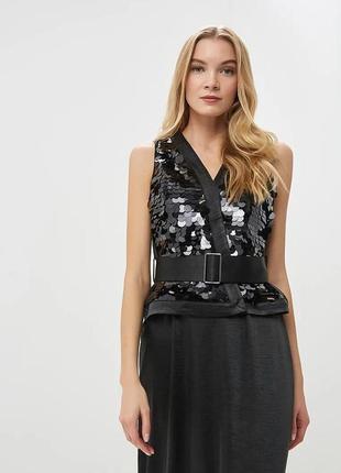 Черное вечернее платье в пол с накидкой в крупные пайетки lost...