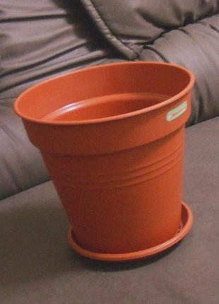 Горшок (вазон) с поддоном глория 19 см