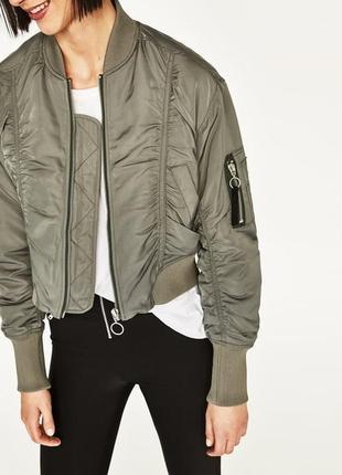 Утепленная куртка,бомбер zara с контрастным подкладом