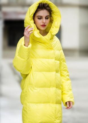Стильный  яркий пуховик с капюшоном/пальто/куртка/плащ/пуховик