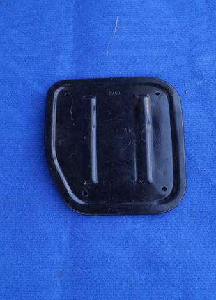 Крышка люка топливного насоса 1117,1118,1119 Калина