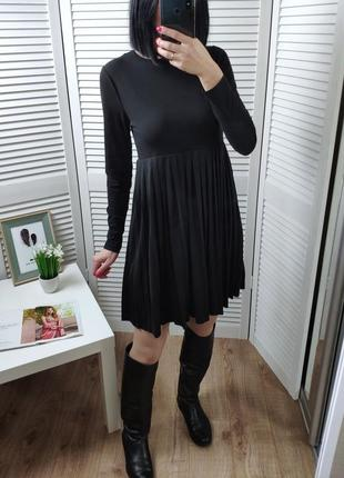 Платье плиссе boohoo, р-р s.