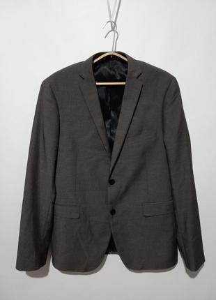 Пиджак костюмный приталенный