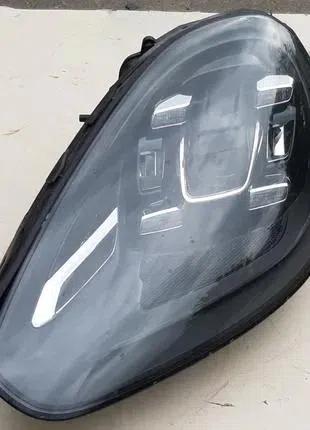 Porsche Cayenne Фара 95863128502