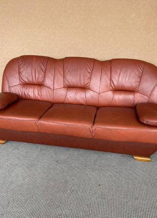 Шкіряний розкладний диван б/у мяка частина