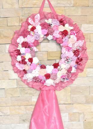 Настенный декор для спальни из цветов