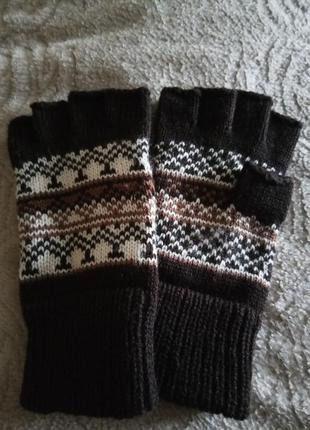 Вязанные перчатки без пальцев митенки с рисунком