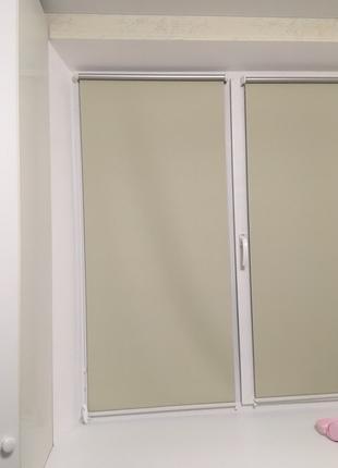 Установка жалюзи, рулонных штор, защитных роллет