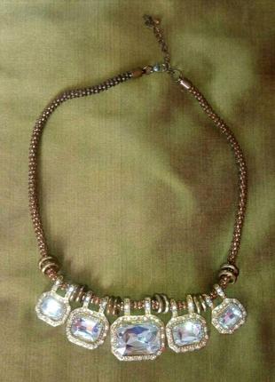 Шикарное колье с камнями, золотое ожерелье