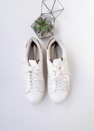 Белые кросовки сникерсы кеди с блестящим задником