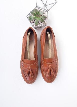 Кожаные лоферы туфли с кисточками