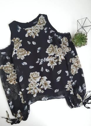 Блуза с открытыми плечами в цветочный принт
