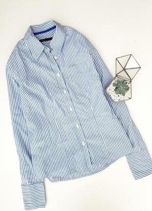 Базовая котоновая рубашка с кармагком в синюю полоску