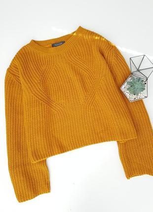 Вязаный обемный свитер с красивыми широкими рукавчиками