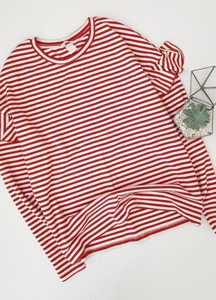 Джемпер в красную полоску с рюшами