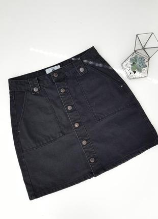 Джинсовая трендовая юбка  на пуговицах