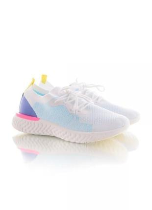 Белые голубые цветные текстильные кроссовки